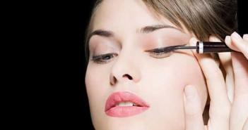 l'eyeliner in 3 semplici mosse