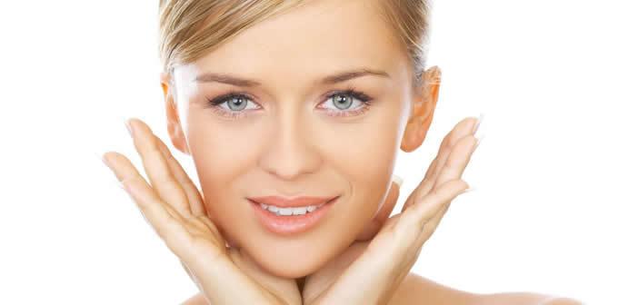 Cura del viso: sapone con acido ialuronico: detersione ed idratazione in un solo gesto